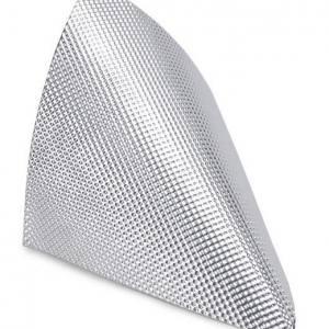 Fäster på det mesta och är lätt att forma och klippa till. Isoleringsmaterialet tål 954 grader och limmet fäster upp till 232 grader. 3,2mm tjock.
